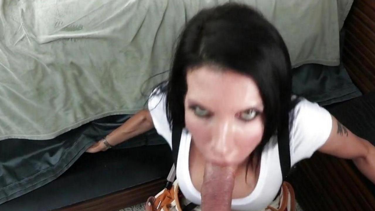 Анальные пытки грудастой женщины - смотреть порно онлайн