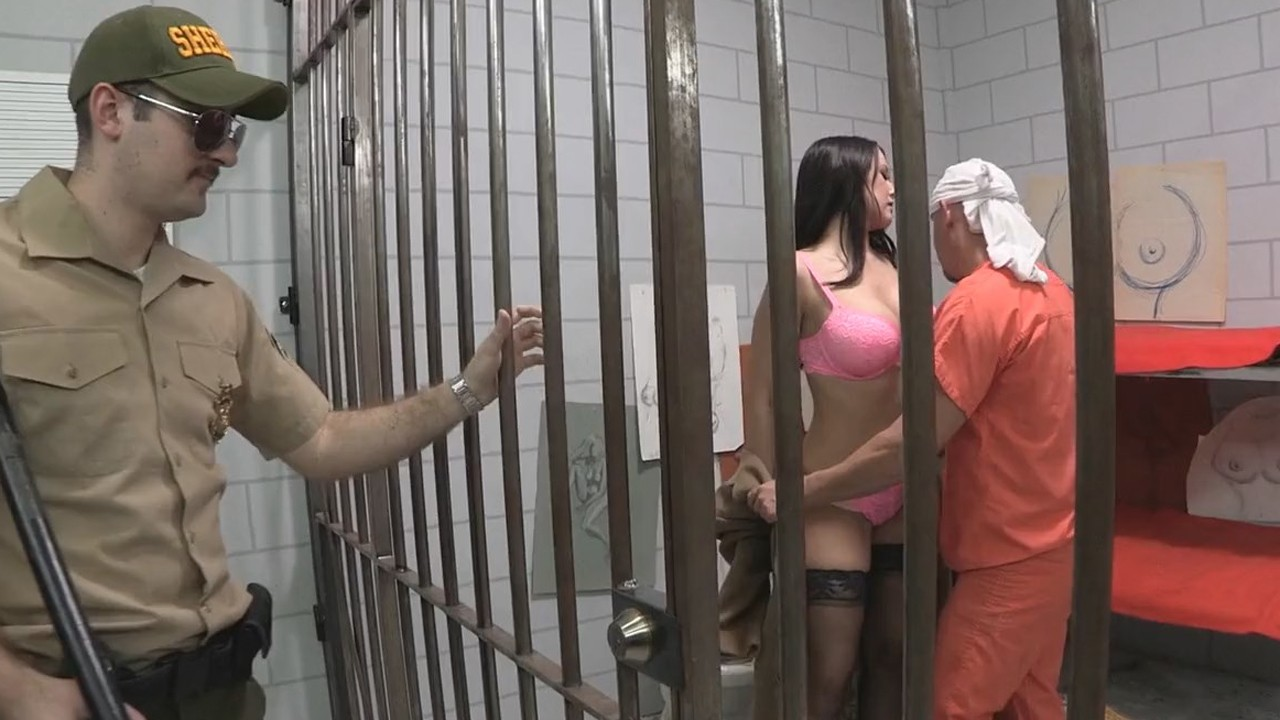 Свидание в тюрме порнуха бесплатно